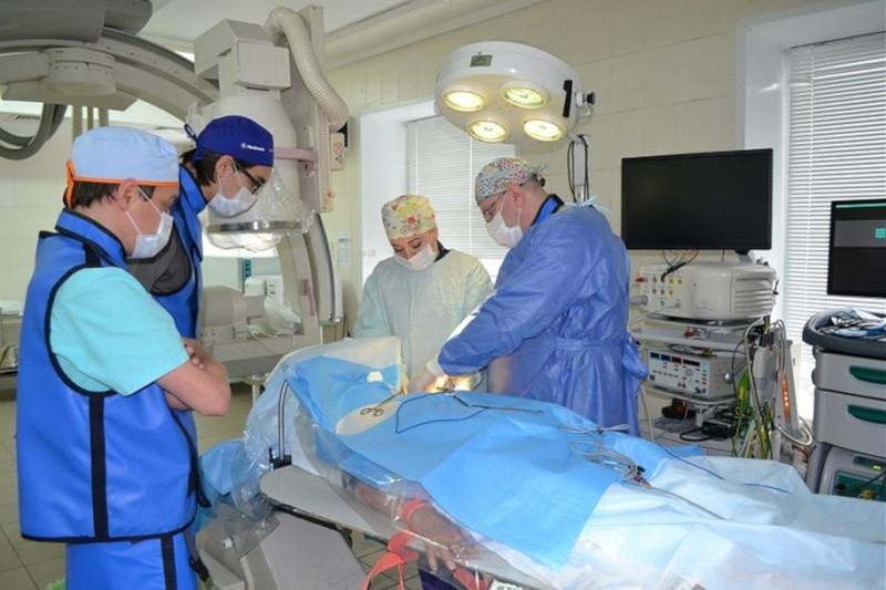 В России врачи впервые ввели кардиостимулятор через артерию. 18084.jpeg