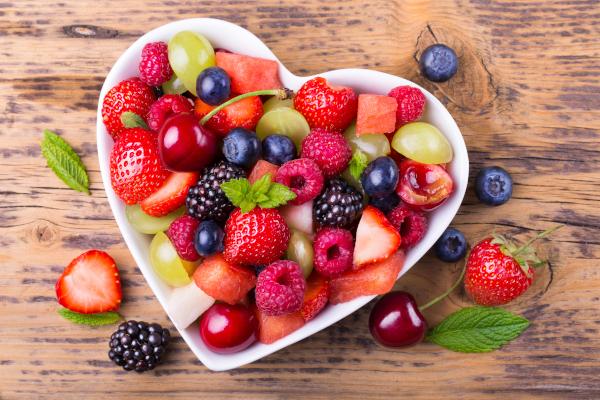 Главный диетолог столицы рассказала о самых полезных летних ягодах. медицина, здоровье, врач, диетолог, ягоды, вишня, черника, арбуз