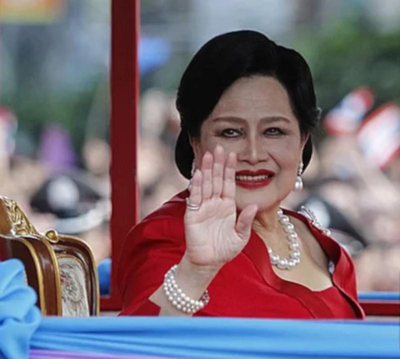 Королеву Таиланда госпитализировали с лихорадкой. королева, Таиланд