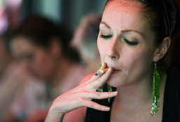 Ученые предупредили курильщиков о риске ослепнуть. 8485.jpeg