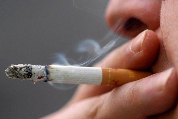 Четверть россиян страдает от болезни легких, но …курит Видео. курение