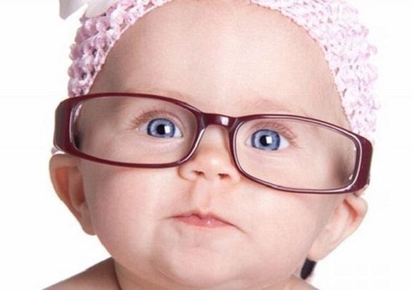 Как проверить зрение у младенца?