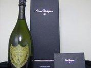 Какой же праздник без шампанского!