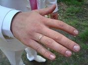 Настоящие мужчины тоже красят ногти
