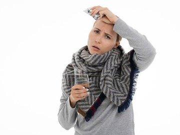 Иммунолог рассказал об аномальных симптомах COVID-19