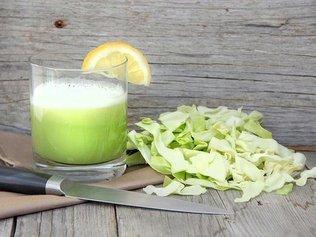 Специалисты утверждают, что самое полезное в капусте - это ее сок