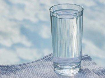 Диетологи назвали необходимое для здоровья ежедневное количество воды